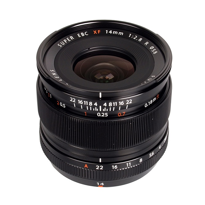 fujifilm xf 14mm f / 2.8 r