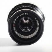 ong-kinh-fujifilm-xf-35-mm-f2-wr