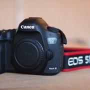 Máy ảnh Canon 5D Mark III