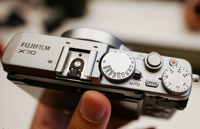 máy ảnh fujifilm x70-1