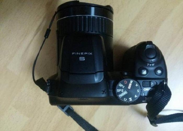 máy ảnh fujifilm s4700