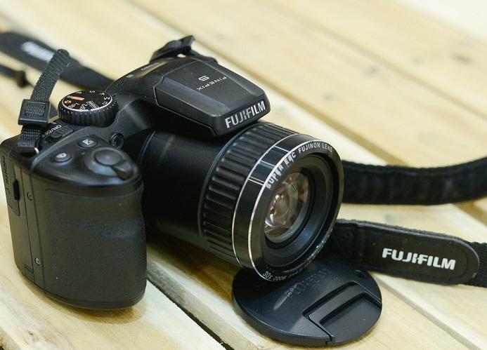 máy ảnh fujifilm s6800