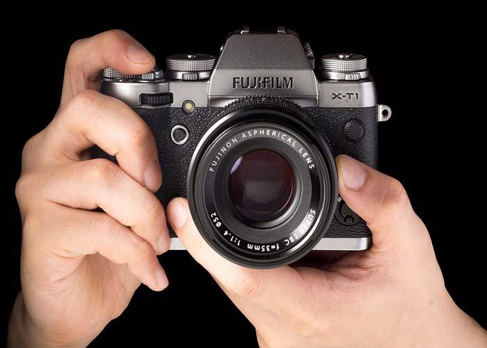 ảnh chụp mặt trước máy ảnh Fujifilm X-T1