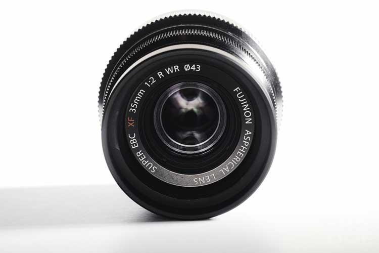 ong-kinh-fujifilm-xf-35mm-f2-r-wr